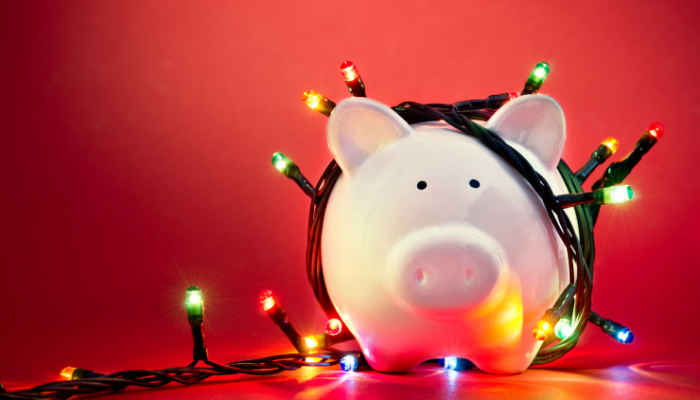 Use These Tips to Avoid Excess Spending This Holiday Season